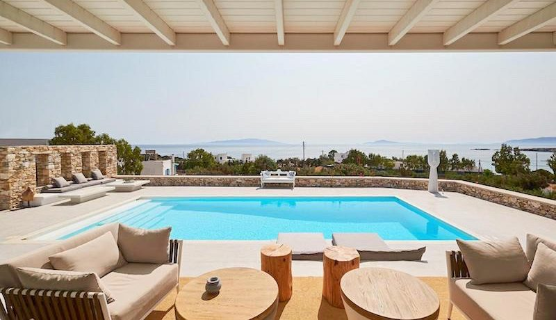 Luxury Villa in Lolandonis Beach , in Paros 6
