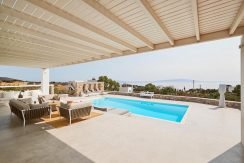 Luxury Villa in Lolandonis Beach , in Paros 7