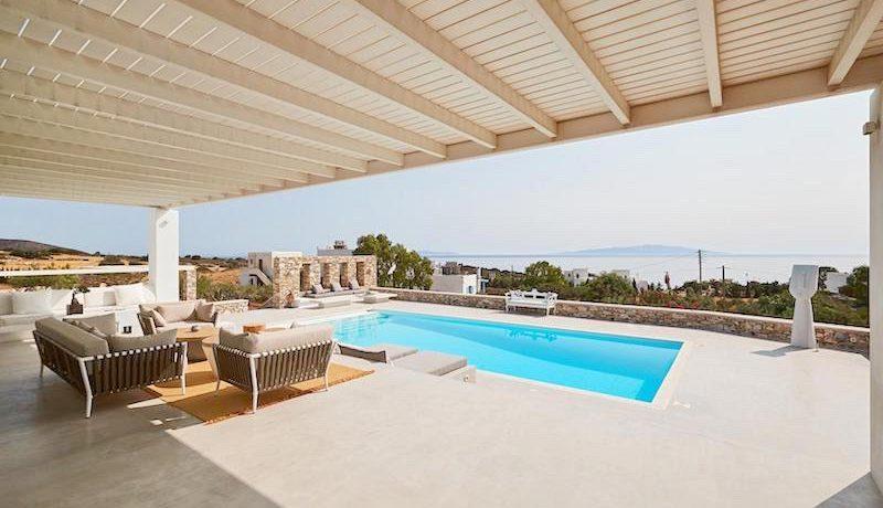 Luxury Villa in Lolandonis Beach , in Paros 7