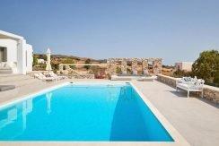 Luxury Villa in Lolandonis Beach , in Paros 8