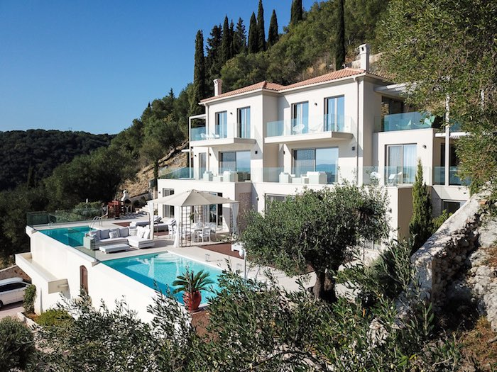 A stunning Waterfront Villa at Corfu, Nissaki