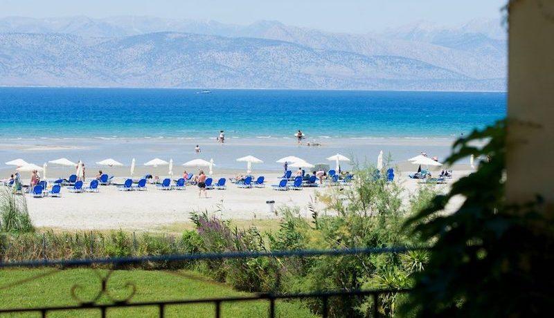 on the beach Villa in Corfu Kassiopi 11