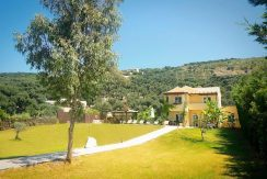 on the beach Villa in Corfu Kassiopi 13