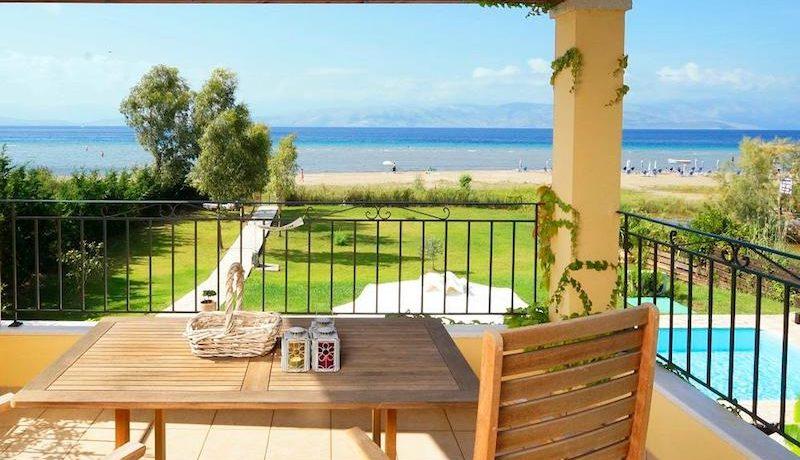 on the beach Villa in Corfu Kassiopi 14