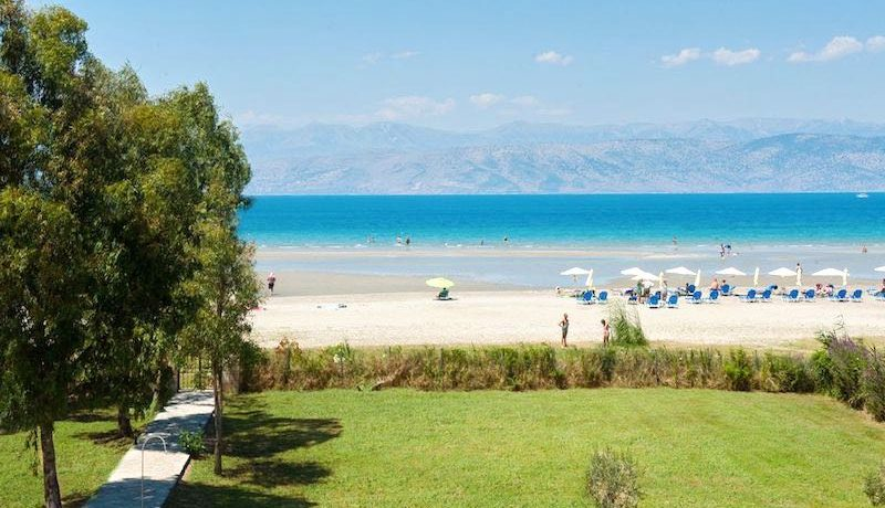 on the beach Villa in Corfu Kassiopi 18