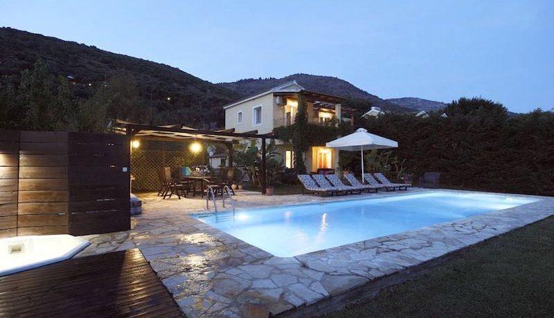 on the beach Villa in Corfu Kassiopi 25