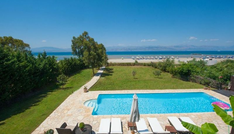 on the beach Villa in Corfu Kassiopi 5