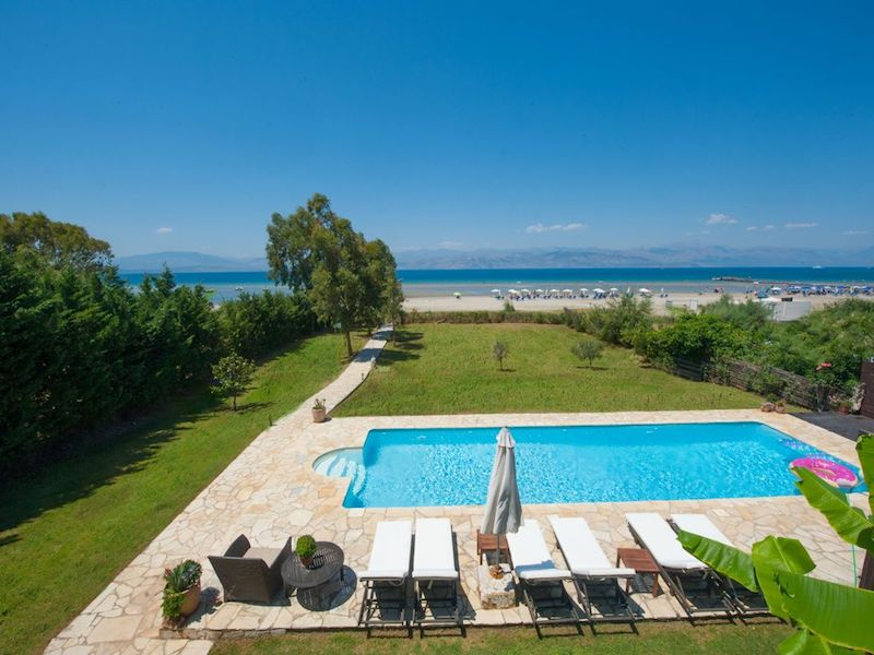 On the beach! Villa with direct sea access at Corfu, Kassiopi