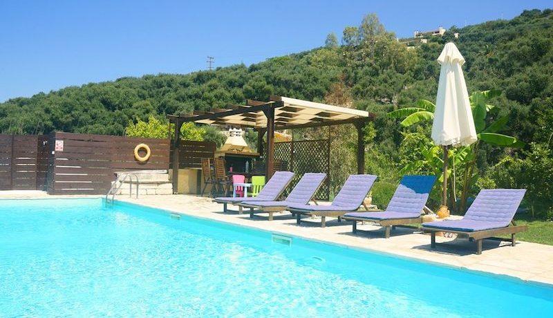 on the beach Villa in Corfu Kassiopi 8