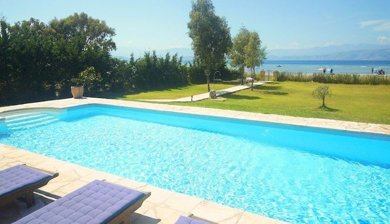 on the beach Villa in Corfu Kassiopi 9