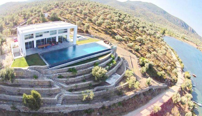 Amazing Beachfront Villa in Lesvos Island (Mytiline) 1