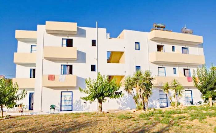 Apartment hotel with direct beach access in Crete 10