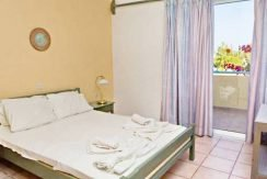 Apartment hotel with direct beach access in Crete 11