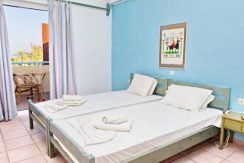 Apartment hotel with direct beach access in Crete 12