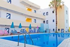 Apartment hotel with direct beach access in Crete 15