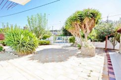 Apartment hotel with direct beach access in Crete 18