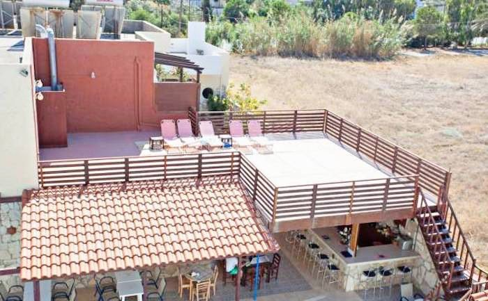 Apartment hotel with direct beach access in Crete 7