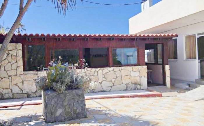 Apartment hotel with direct beach access in Crete 8