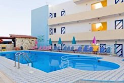 Apartment hotel with direct beach access in Crete 9