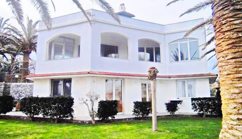 Seafront Villa with Big Land in Rethymno Crete 5