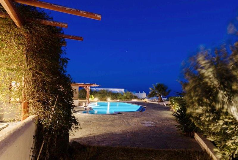 Villa for sale Santorini, Karterados
