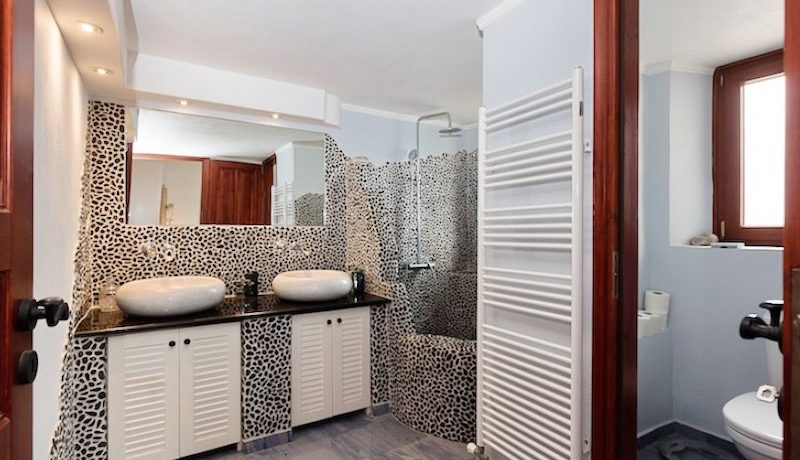 Villa for sale Santorini, Karterados 18