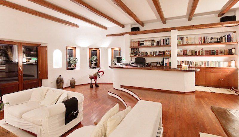 Villa for sale Santorini, Karterados 19