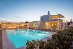 Villa in Paros, in Aliki 1
