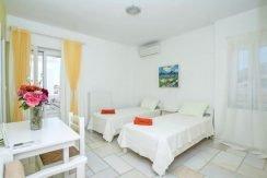 Villa in Paros, in Aliki 16