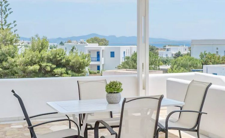 Villa in Paros, in Aliki 17