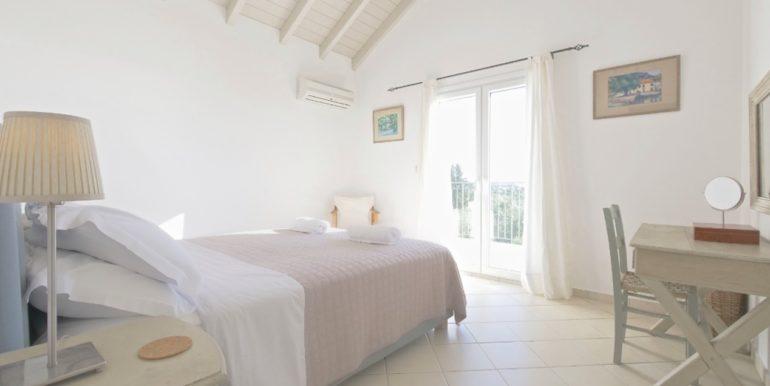 Villa in Corfu for Sale 14