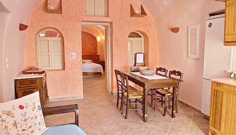 Excellent Cave House at Oia of Santorini 1