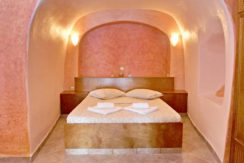 Excellent Cave House at Oia of Santorini 11