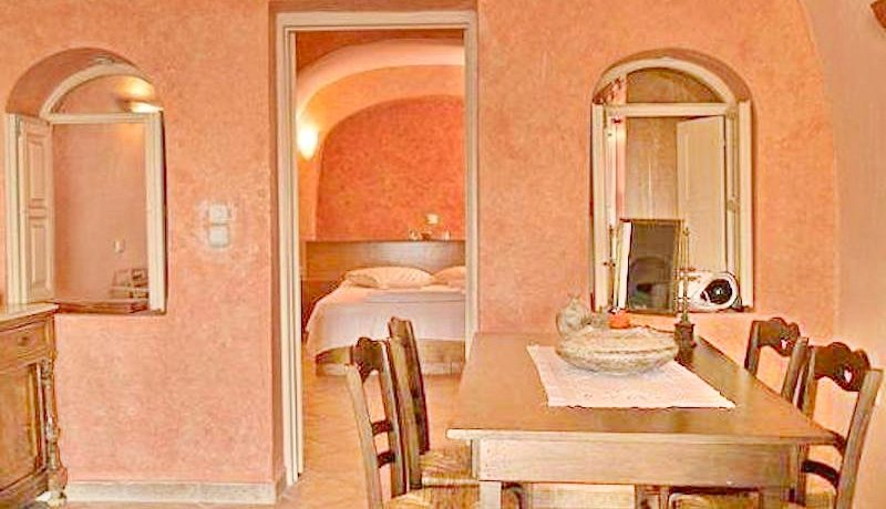 Excellent Cave House at Oia of Santorini 4