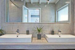 Super Villa in Mykonos with 5 Bedrooms and Sea Views 10