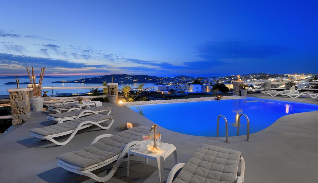 Super Villa in Mykonos with 5 Bedrooms and Sea Views