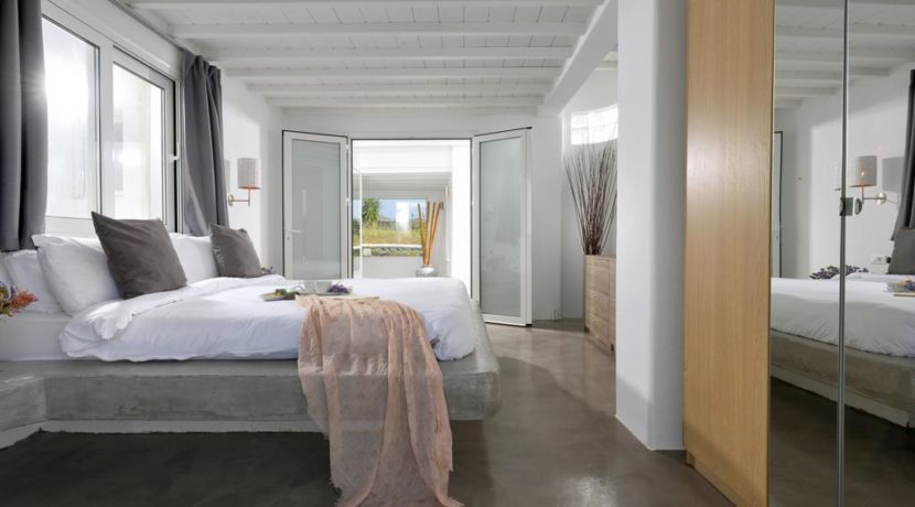Super Villa in Mykonos with 5 Bedrooms and Sea Views 21