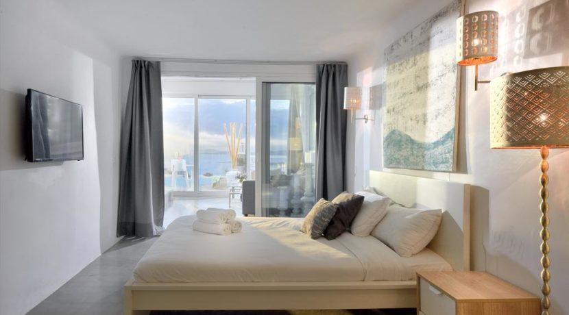 Super Villa in Mykonos with 5 Bedrooms and Sea Views 30