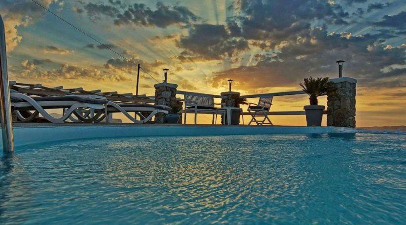 Super Villa in Mykonos with 5 Bedrooms and Sea Views 4