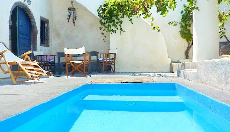 Villa at Finikia area of Oia, Santorini 10