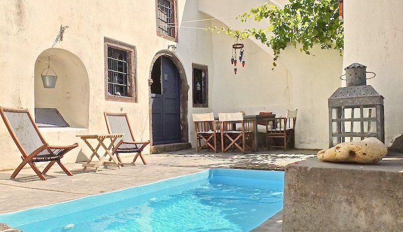 Villa at Finikia area of Oia, Santorini 13
