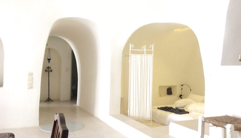 Villa at Finikia area of Oia, Santorini 22