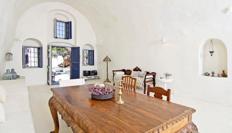 Villa at Finikia area of Oia, Santorini 6