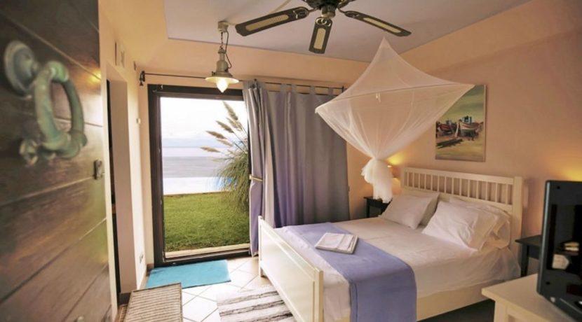 Luxury Seaside Villa Near Athens 8