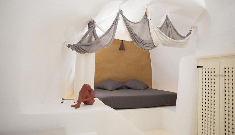 House for Sale in Santorini 14