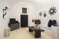 House for Sale in Santorini 18