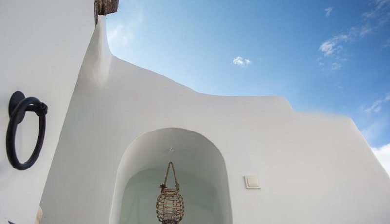 House for Sale in Santorini 2