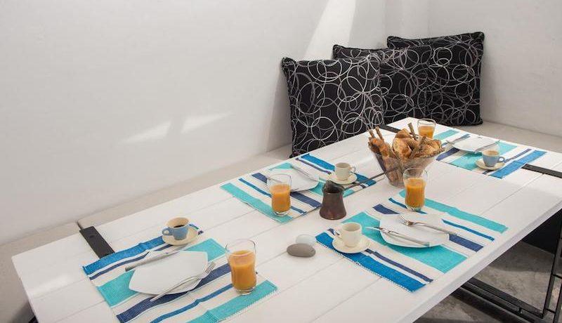 House for Sale in Santorini 3