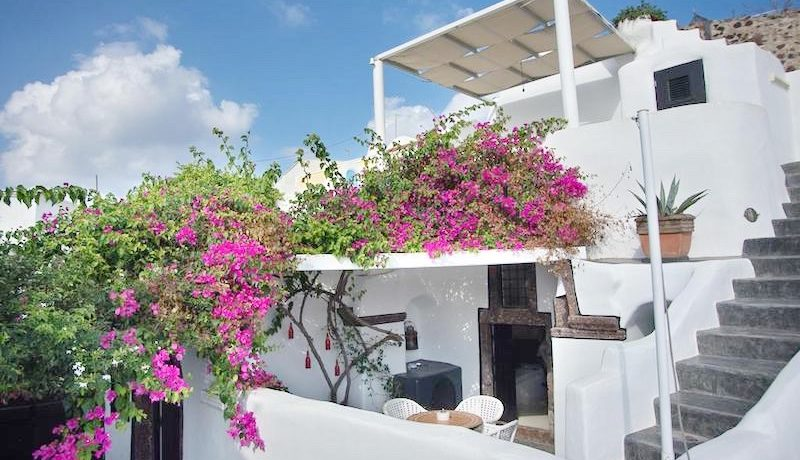 House for Sale in Santorini 4