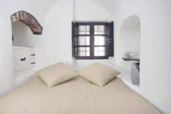 House for Sale in Santorini 8